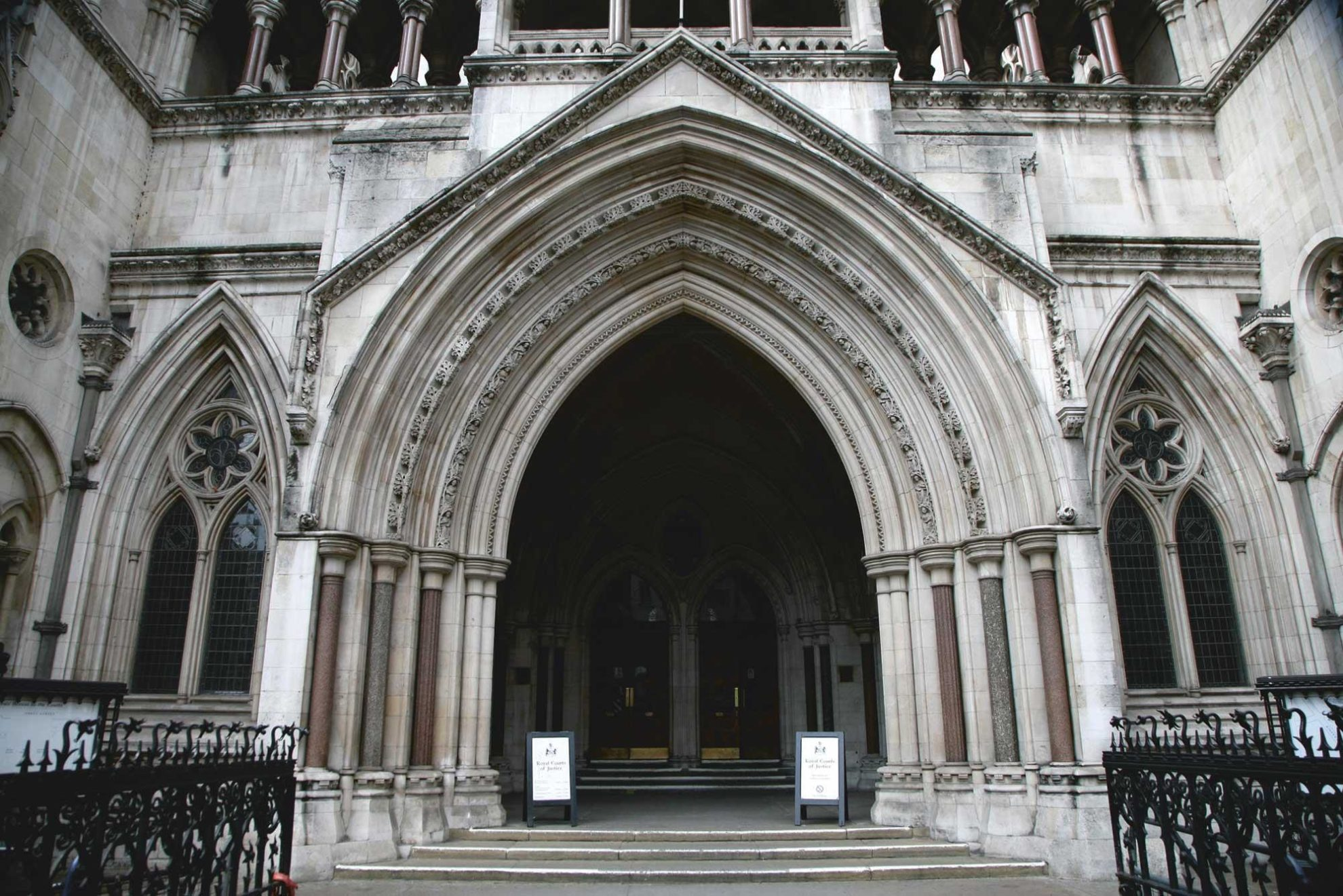 rcj royal courts of justice exterior lexlaw litigation tax winding up lawyers